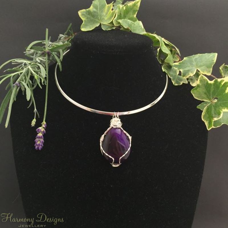 Picture of SOLD - please see note -One Only - Agate - Cabochon - Attention-Getting - Statement look - Wire work - Silver Plated - Choker -  Necklace -  (N21)