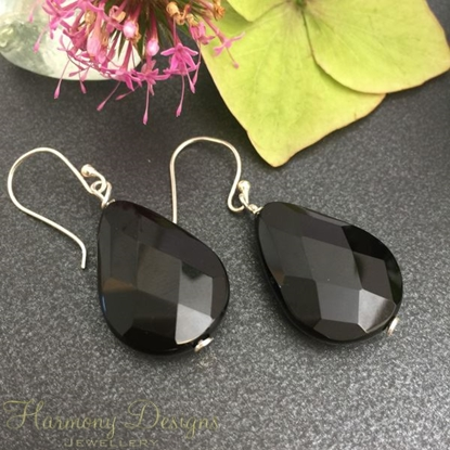 Picture of Elegantly Timeless  -  Sophisticated -  Black Agate Faceted Pear-Shaped Gemstone - Silver Plated - Earrings -(E23)