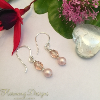 Picture of Dainty And Adorable - Czech Fire Polish Luster Bead - Silver Plated - Shell Pearl - Earrings (E47)