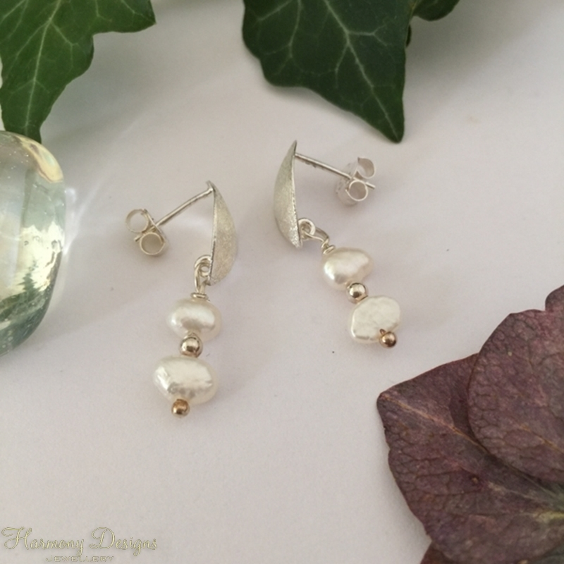 Picture of 925 Sterling Silver-  Charming - Sophisticated  - Fresh water Keshi Pearls - Earrings (E96)