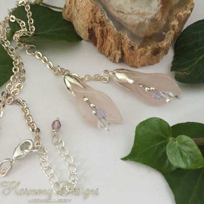 Picture of Beautiful - Delicate Rose Quartz - Lilly Shape - Czech Fired Glass Crystal  -  Silver Plated Beads  - Crystal -  Sliver Plated - Necklace - (N48)