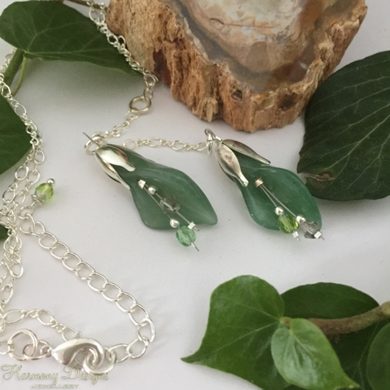 Picture of Delightfully Beautiful - Aventurine - Lilly Shape - Czech Fired Faceted Glass Bead -  Crystal - Silver Plated Beads  -  Sliver Plated - Necklace (N49)